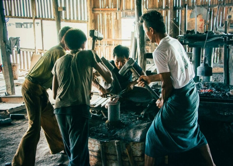 Inle Lake Attractions - Blacksmith