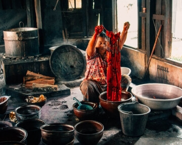 Inle Lake Attractions - Weaving Lotus Fabric