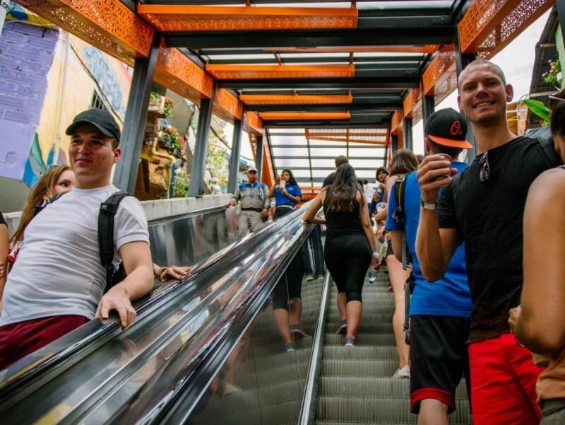 Comuna Trece Escalators