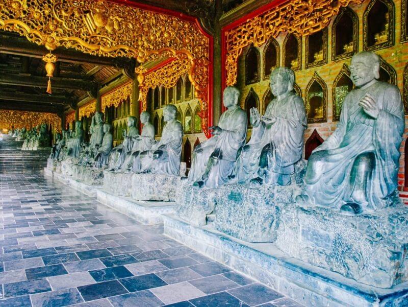 Bai Dinh Buddhas